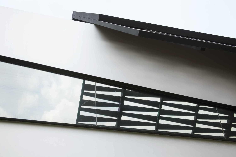 Foto inspirasi ide desain rumah Exterior details oleh MINT-DS di Arsitag