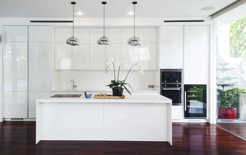 Foto inspirasi ide desain dapur Kitchen area oleh MINT-DS di Arsitag