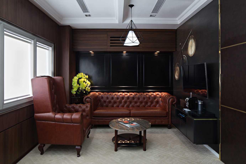Pt Asa Adiguna Hanis & Hanis Advocate Sarinah Building Sarinah Building Seating Area Minimalis 24581