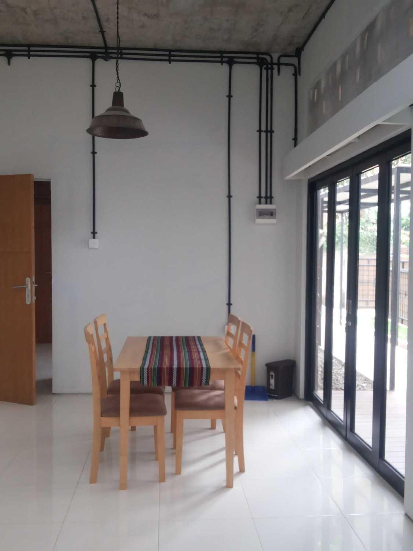 Psa Studio Delman Kencana Jakarta,  Indonesia Jakarta,  Indonesia Diningroom  16494