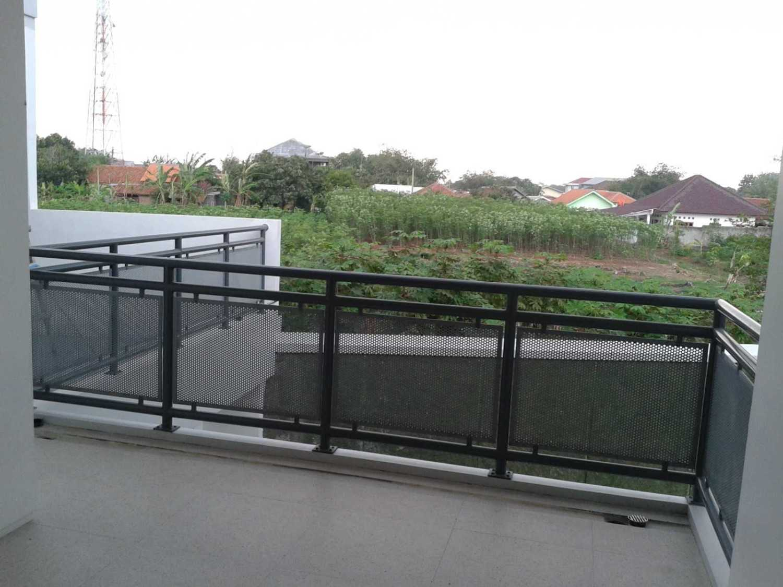 Mki Ts House Cibinong, Bogor, West Java, Indonesia Bogor Rear Balcony Railing Detail  17135