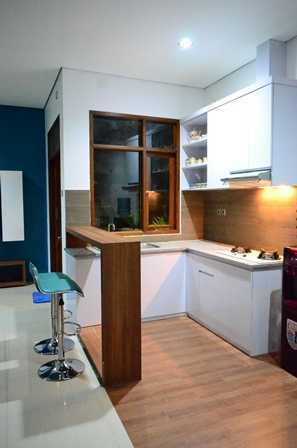 Foto inspirasi ide desain dapur minimalis Kitchen oleh MKI di Arsitag