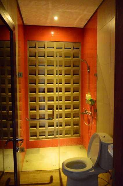 Mki Kt House Jakarta Timur Jakarta Timur Bathroom At Night Modern 17070