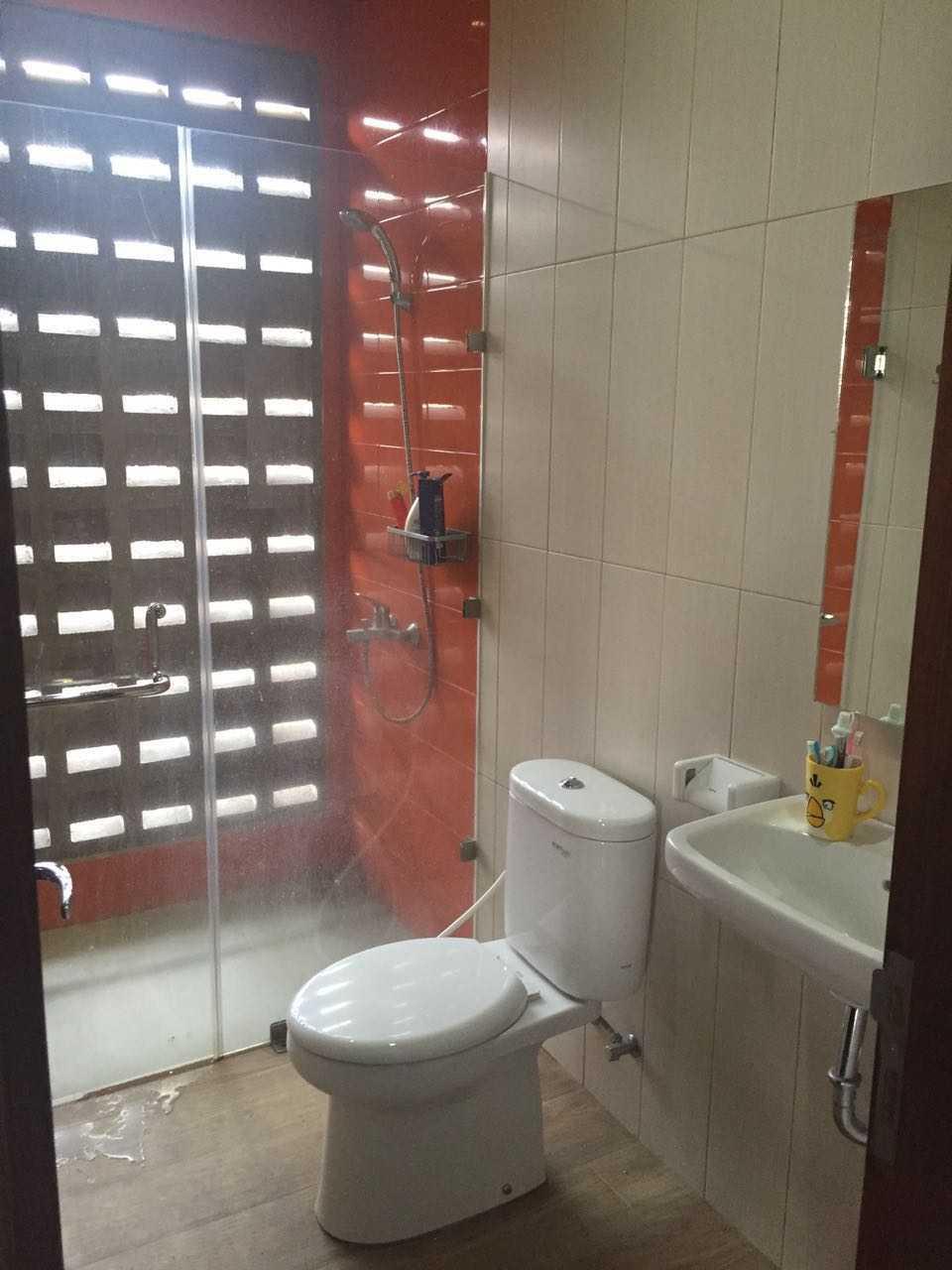 Mki Kt House Jakarta Timur Jakarta Timur Bathroom In Daylight Modern 17077