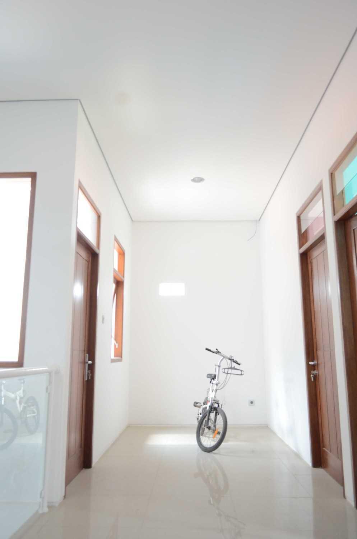 Mki Kt House Jakarta Timur Jakarta Timur Drying Room Modern 17078