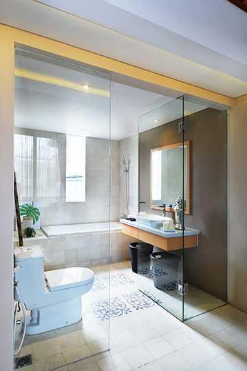 Foto inspirasi ide desain kamar mandi minimalis Dsc9728lowres oleh Cipta Desain Arsitektur Mandiri di Arsitag