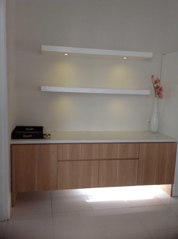 R-E Design Minimalist Residence Bintaro Bintaro 0Eca42Fd-0946-4196-B63A-A78F5D2E51E4 Minimalis 19502