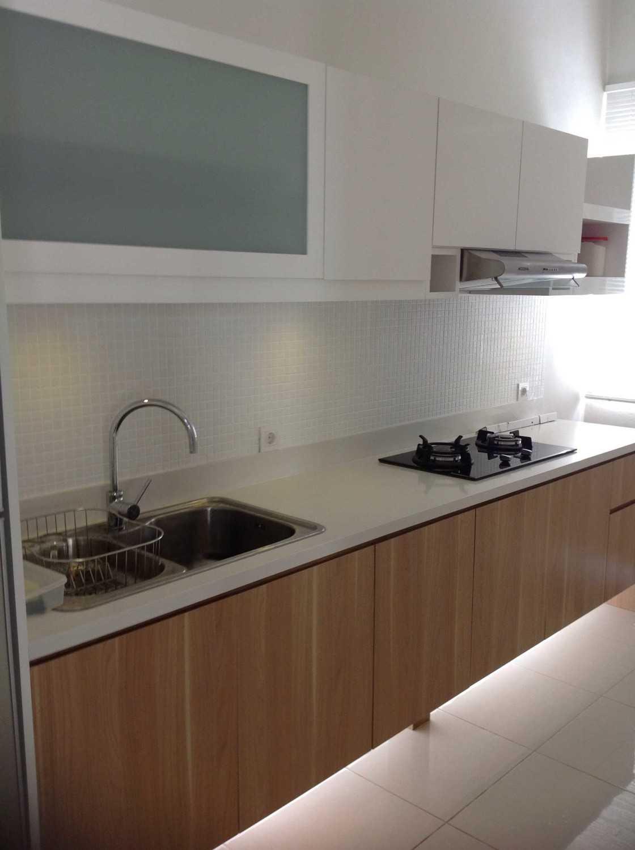 R-E Design Minimalist Residence Bintaro Bintaro Kitchen Minimalis 19503