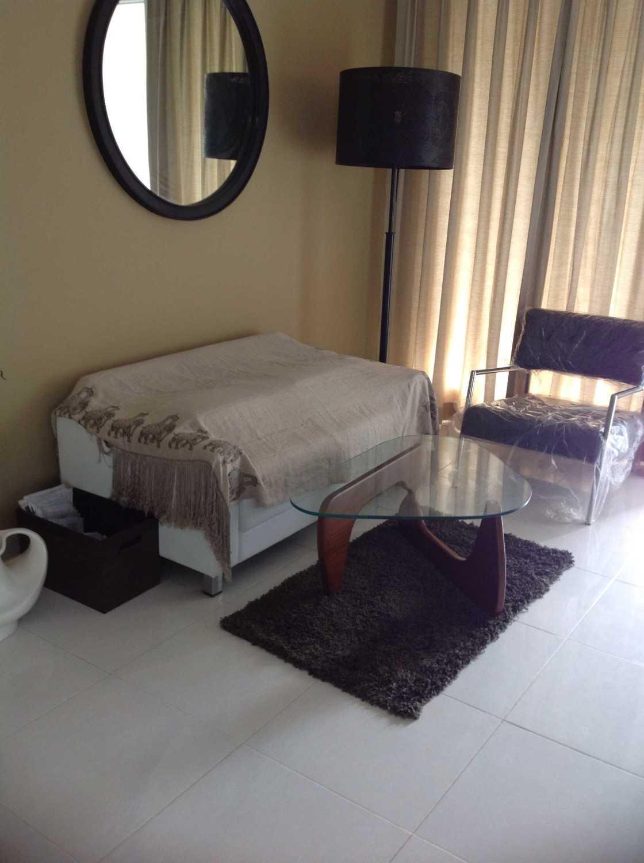Project minimalist residence desain arsitek oleh r e for Minimalist guest room
