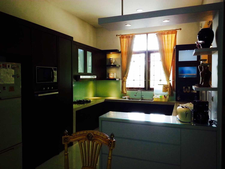 R-E Design Rumah Tinggal Depok Depok Kitchen Area Modern 25153