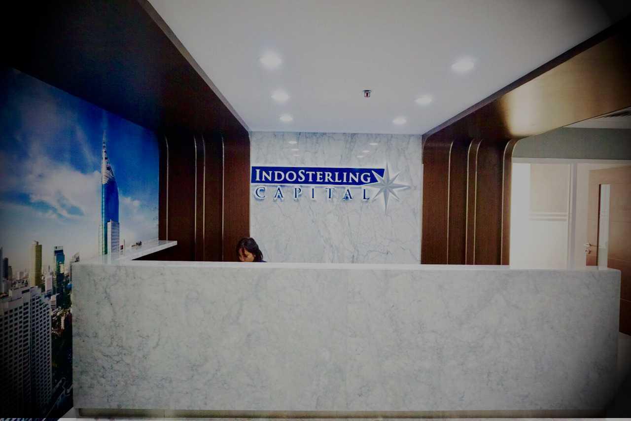 R-E Design Indosterling Office Ratu Plaza, Jl. Jend. Sudirman, Gelora, Tanah Abang, Kota Jakarta Pusat, Daerah Khusus Ibukota Jakarta 10270, Indonesia Ratu Plaza, Jl. Jend. Sudirman, Gelora, Tanah Abang, Kota Jakarta Pusat, Daerah Khusus Ibukota Jakarta 10270, Indonesia Reception Area  37210