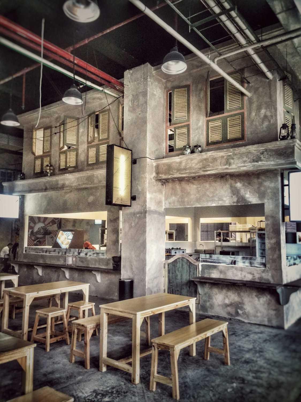 Pt. Labblu Creatif Ide Tangkiwood Foodhall Bekasi, West Java, Indonesia  Bekasi, West Java, Indonesia  Dinning-Area  17181