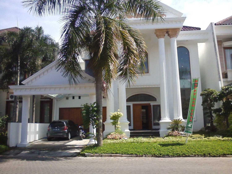 Ayu Fatmawati Graha Classic House Semarang Semarang Front View Klasik 26942