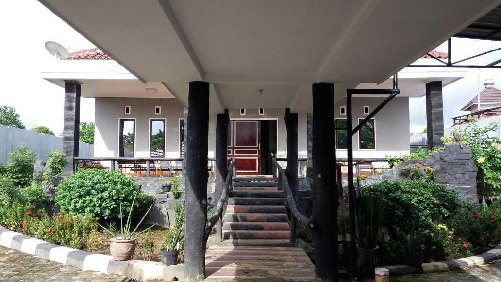 Adi Cipta Estetika Banjarmasin House  Banjarmasin, Kalsel Banjarmasin, Kalsel Front Entrance Minimalis 20278