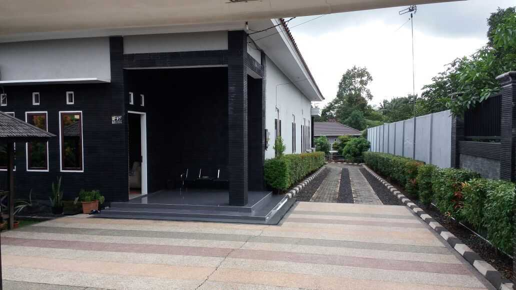 Adi Cipta Estetika Banjarmasin House  Banjarmasin, Kalsel Banjarmasin, Kalsel Carport Minimalis 20279