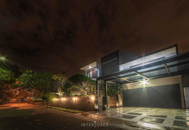 Interiores Interior Consultant & Build Greta 90 Bintaro Bintaro Carport Kontemporer 17670