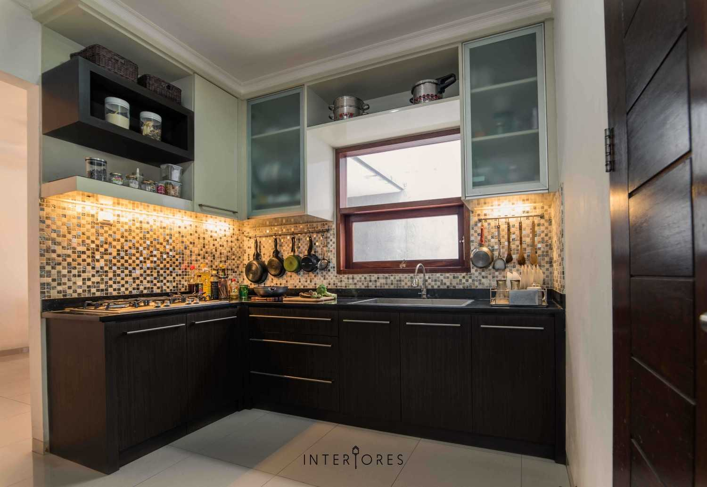 Interiores Interior Consultant & Build Greta 90 Bintaro Bintaro Kitchen Kontemporer 17677