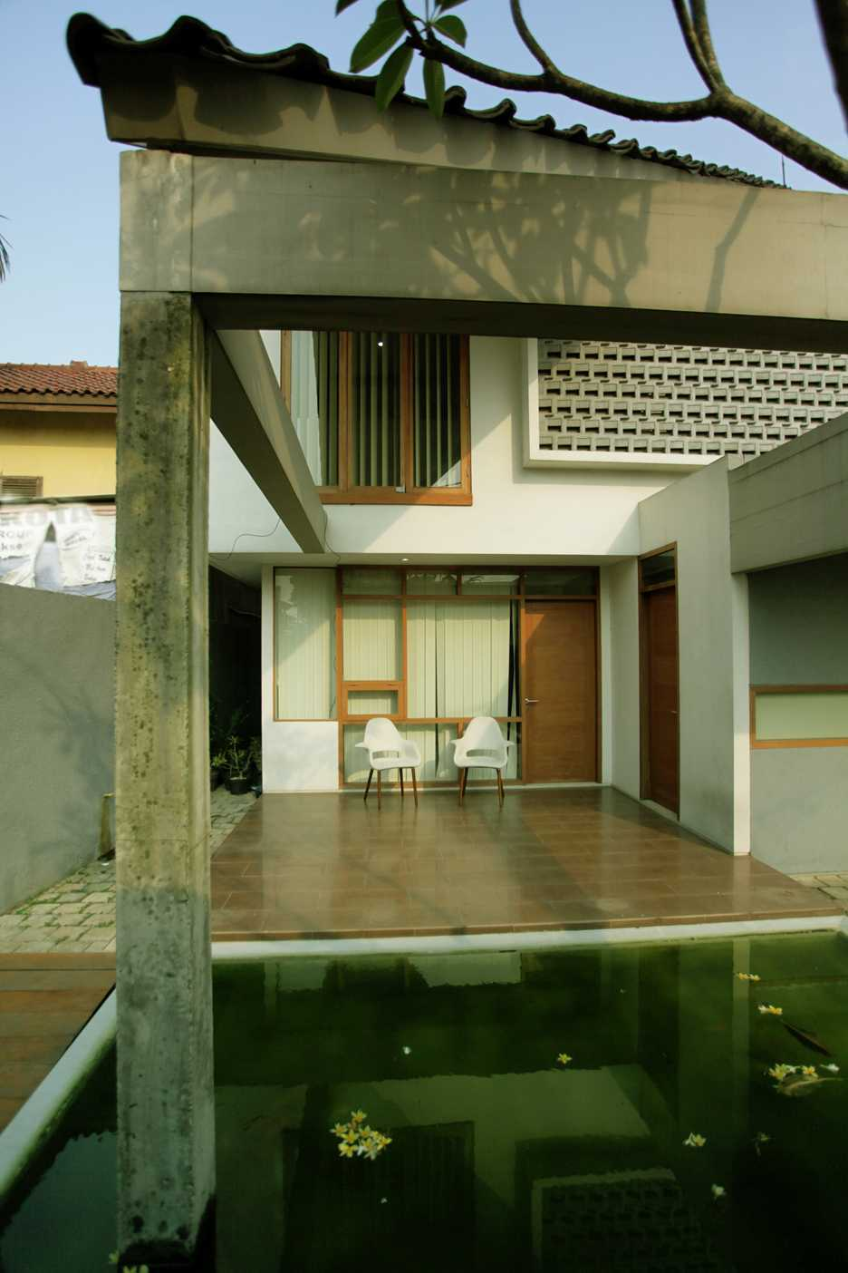 Armeyn Ilyas Doctor House Kelapa Dua Wetan, Ciracas, East Jakarta City, Jakarta, Indonesia Jakarta Front Area Modern 17743