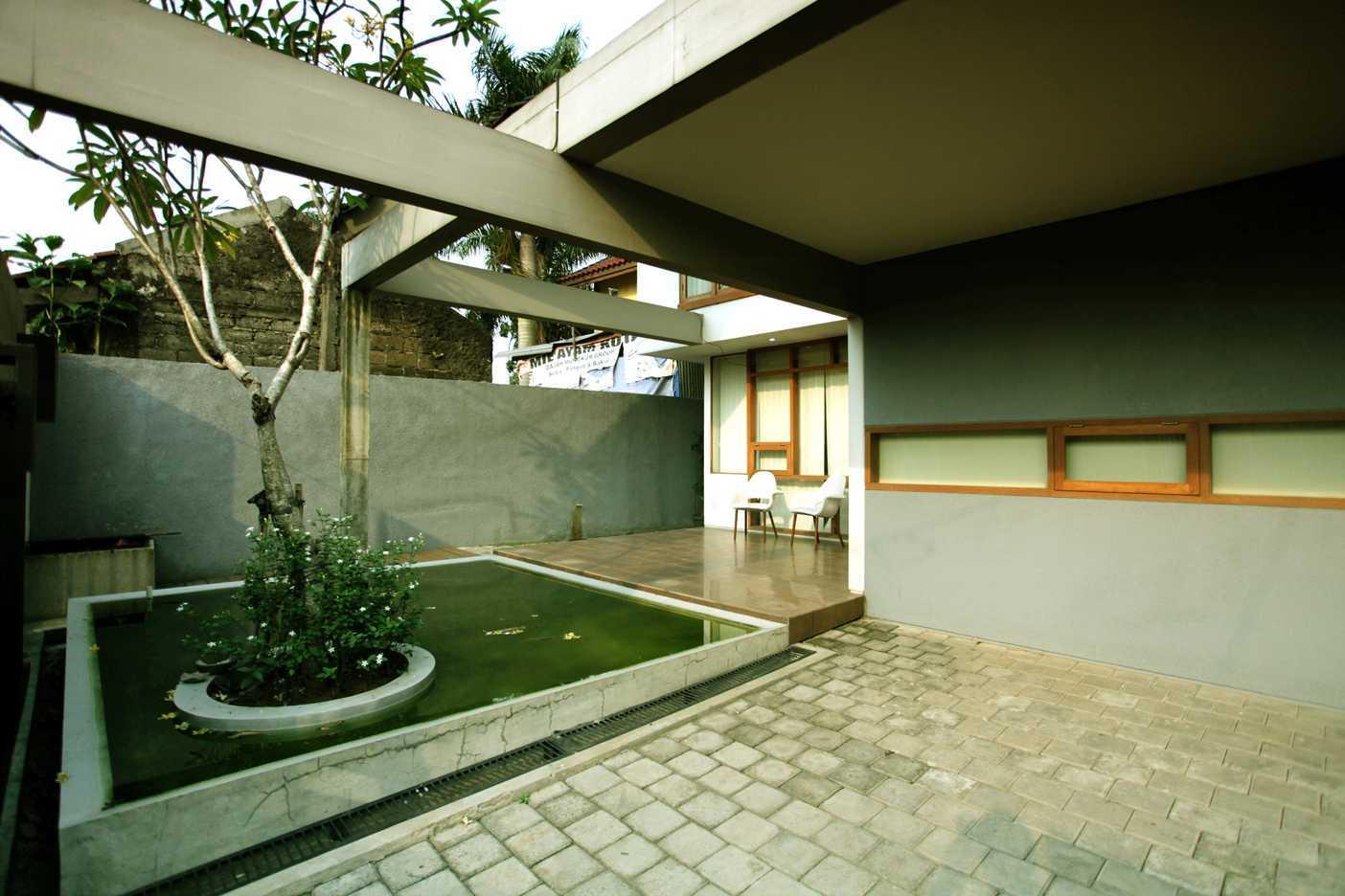 Armeyn Ilyas Doctor House Kelapa Dua Wetan, Ciracas, East Jakarta City, Jakarta, Indonesia Jakarta Front Area Modern 17745