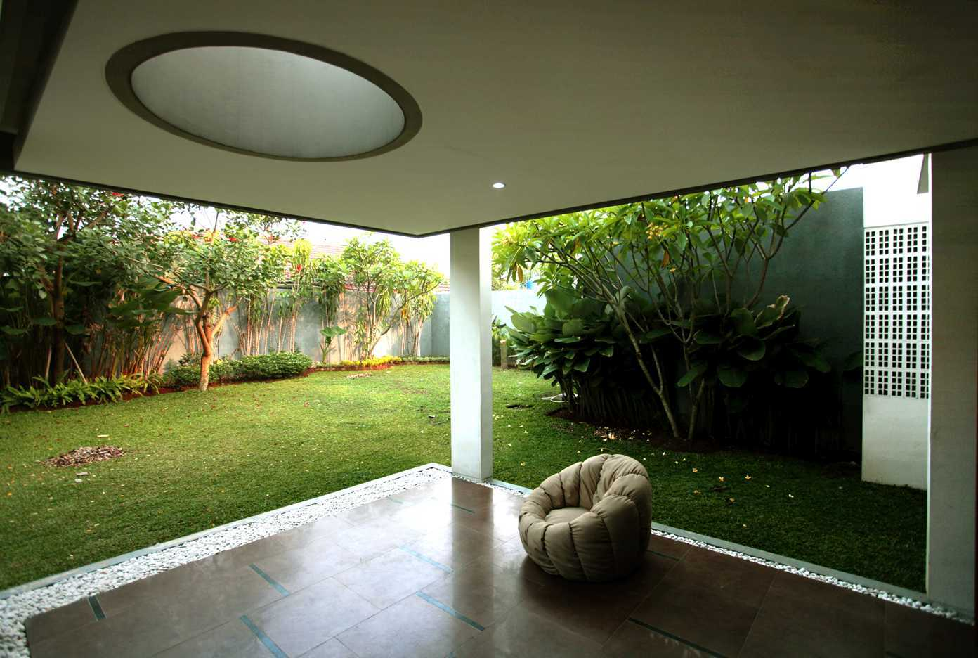 Armeyn Ilyas Doctor House Kelapa Dua Wetan, Ciracas, East Jakarta City, Jakarta, Indonesia Jakarta Terrace Modern 17747