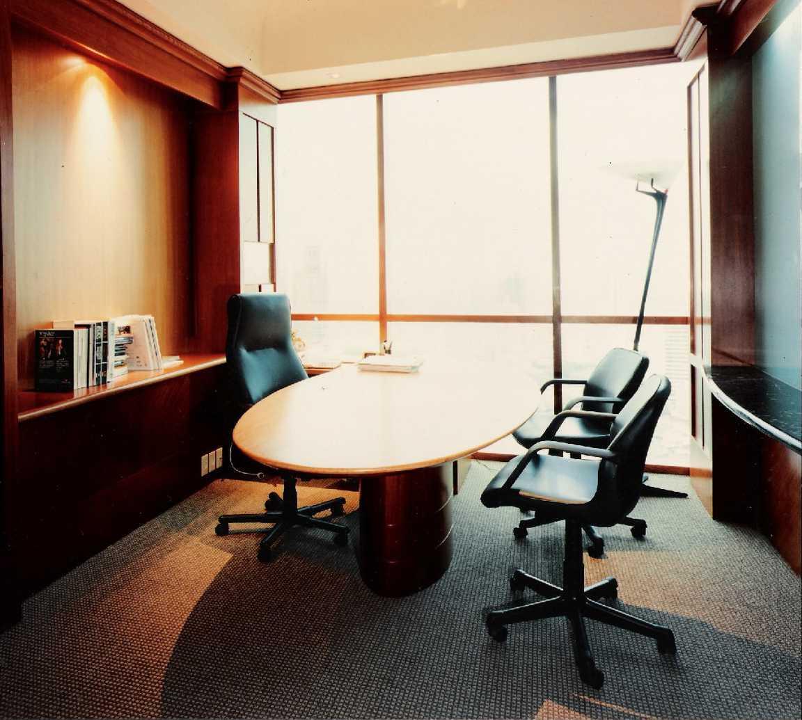 """Kurniadi Sugiarta Brasali Office Menara Brasali, Jakarta Menara Brasali, Jakarta Director's """"cabin"""" Kontemporer,modern 22651"""