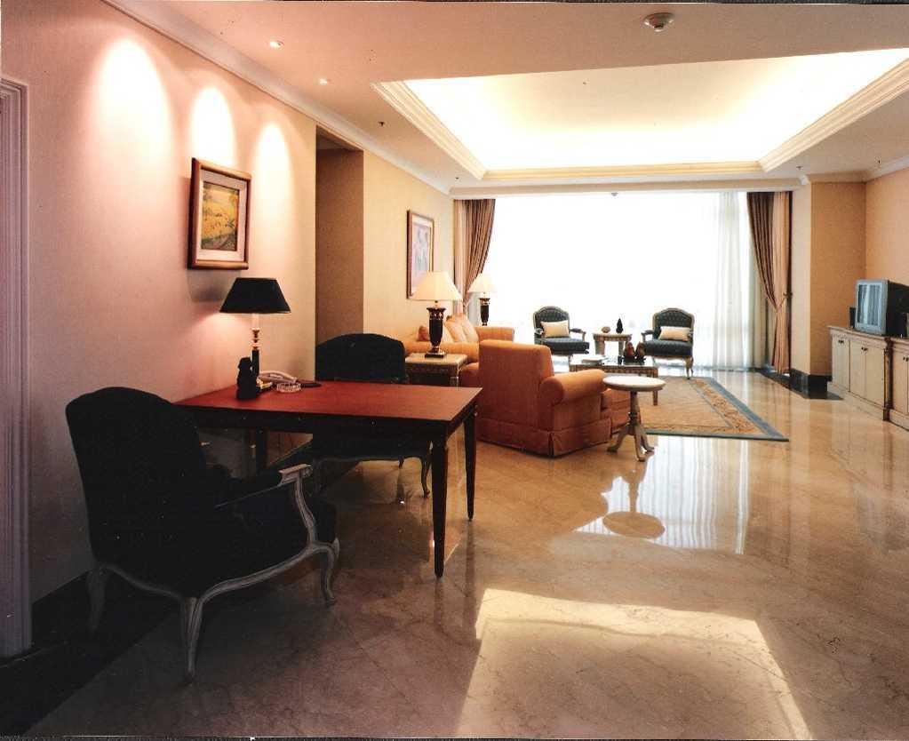 Kurniadi Sugiarta Four Season Apartment Jakarta Jakarta Through Living Area Kontemporer 22658