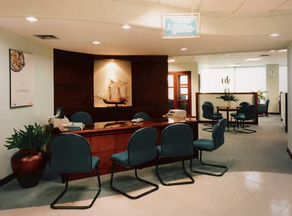 Kurniadi Sugiarta Bank Bni Taman Soewarna, Tangerang Taman Soewarna, Tangerang Costumer Service Desk Modern 22662
