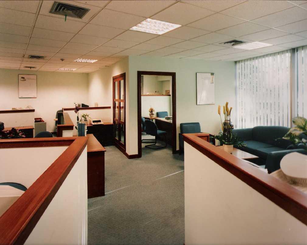 Kurniadi Sugiarta Bank Bni Taman Soewarna, Tangerang Taman Soewarna, Tangerang View To Manager Room Modern 22663