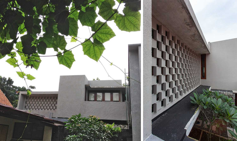 I N S P I R A T I O Cipete House Jakarta Selatan Jakarta Selatan House Exterior Modern,tropis 19225
