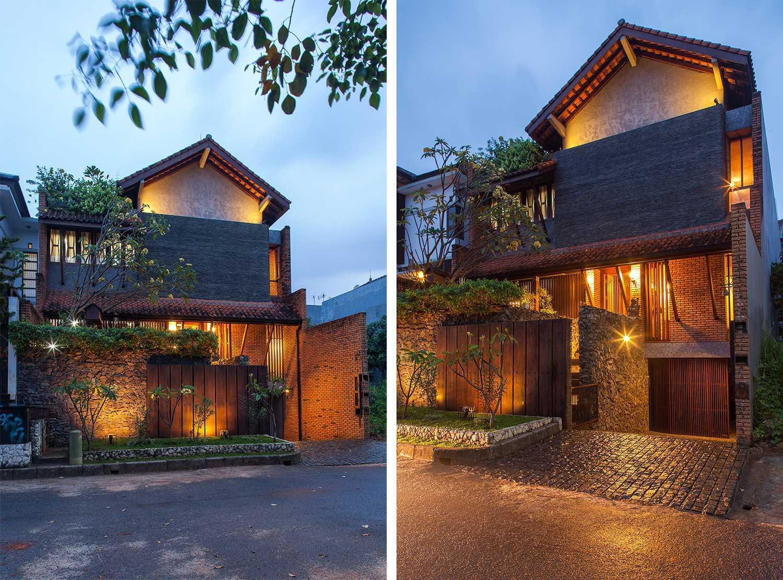 Foto inspirasi ide desain rumah Front view oleh i n s p i r a t i o di Arsitag