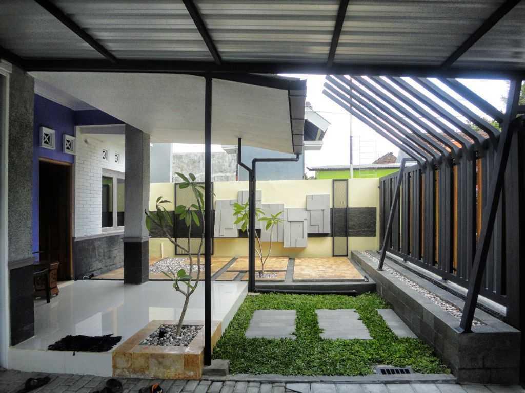 Indoneosian Architect Rumah Sentralungu (Renovasi) Cebongan, Sleman, Yogyakarta Cebongan, Sleman, Yogyakarta Terrace  19820