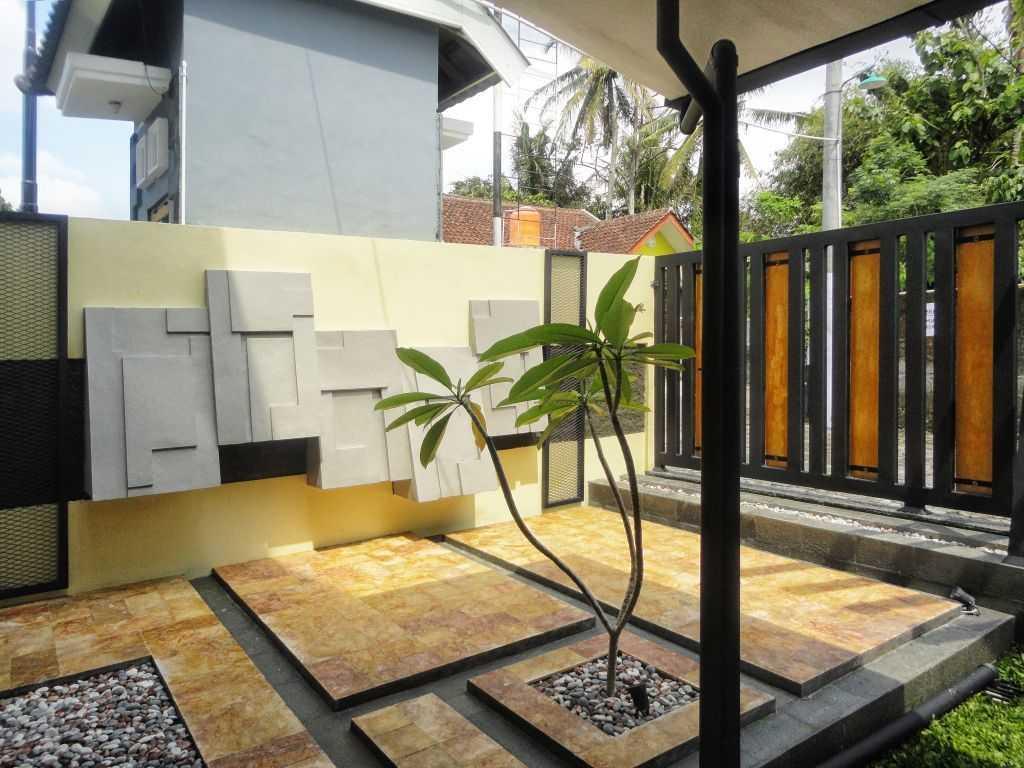 Indoneosian Architect Rumah Sentralungu (Renovasi) Cebongan, Sleman, Yogyakarta Cebongan, Sleman, Yogyakarta Terrace  19823