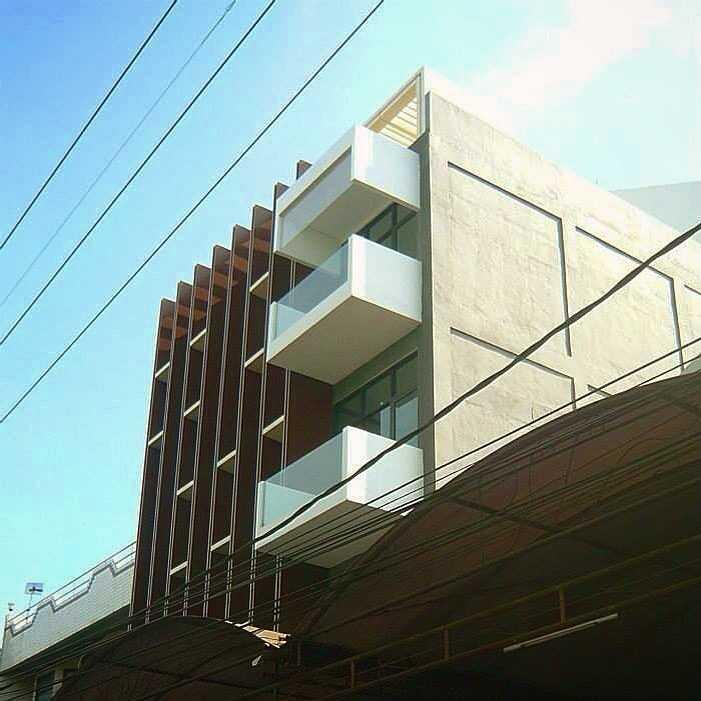 Simple Projects Architecture Pb131 Office Jl.perak Barat 131, Surabaya - Indonesia Jl.perak Barat 131, Surabaya - Indonesia Exterior  21668