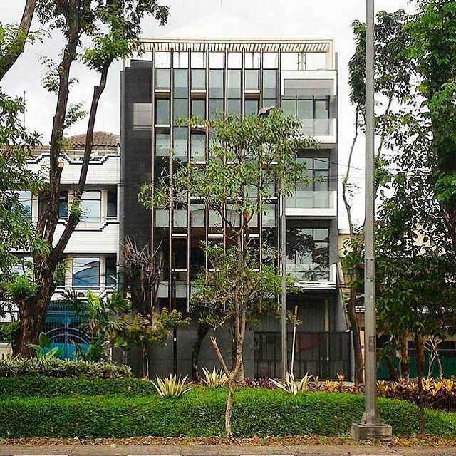 Simple Projects Architecture Pb131 Office Jl.perak Barat 131, Surabaya - Indonesia Jl.perak Barat 131, Surabaya - Indonesia Front View  21672