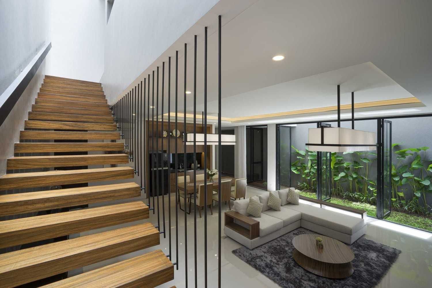 """Simple Projects Architecture """"s"""" House Pakuwon Indah, Surabaya - Indonesia Pakuwon Indah, Surabaya - Indonesia Stairs  32990"""