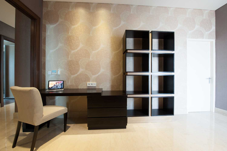 Kania Apartement Pakubuwono Signature Pakubuwono Vi No.72 Pakubuwono Vi No.72 Work Room Modern 20253