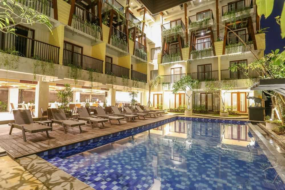 Melly Purnamahildha Tarman Grand Serela Legian Hotel Legian, Bali Legian, Bali Swimming Pool  20464
