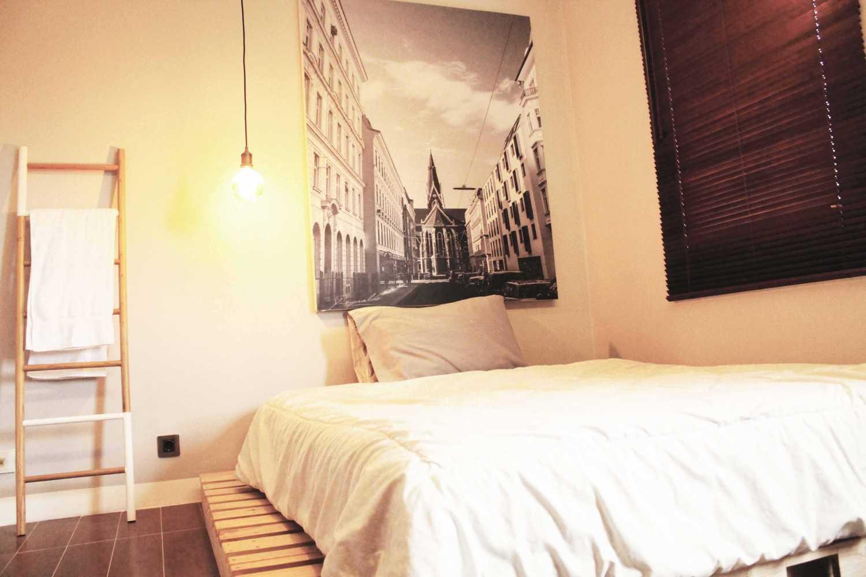 Foto inspirasi ide desain kamar tidur industrial Bedroom oleh Tridivan Architama di Arsitag