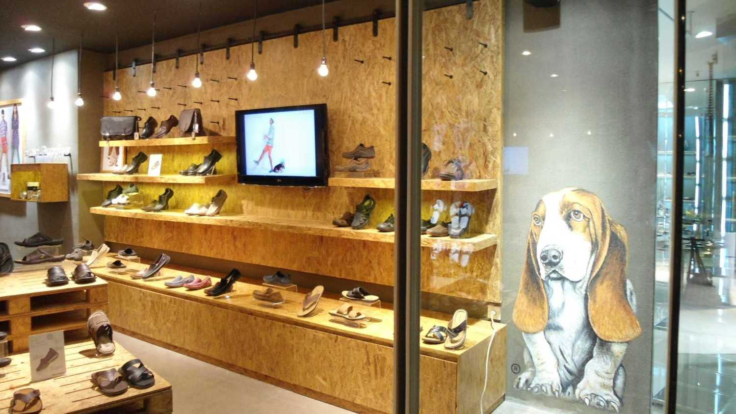 Canvas Mkc Store Hush Puppies Bali Bali Display Minimalis 21072