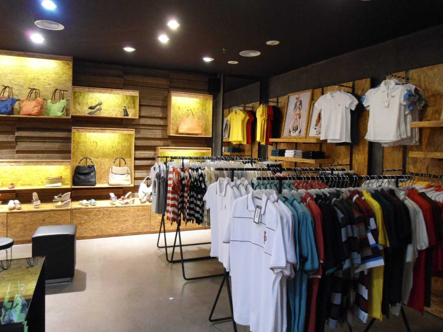 Canvas Mkc Store Hush Puppies Bali Bali Display Minimalis 21079