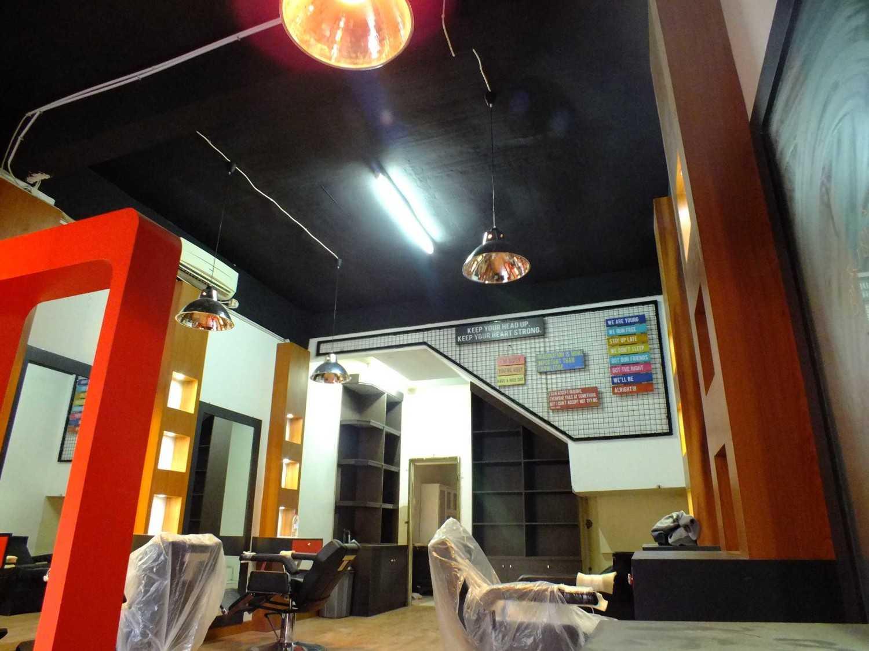 Canvas Mkc Barberbuzz - Barbershop Tangerang Tangerang Interior  20873