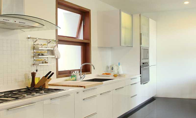 Foto inspirasi ide desain rumah skandinavia Kitchen-mr oleh Inspace Studio di Arsitag