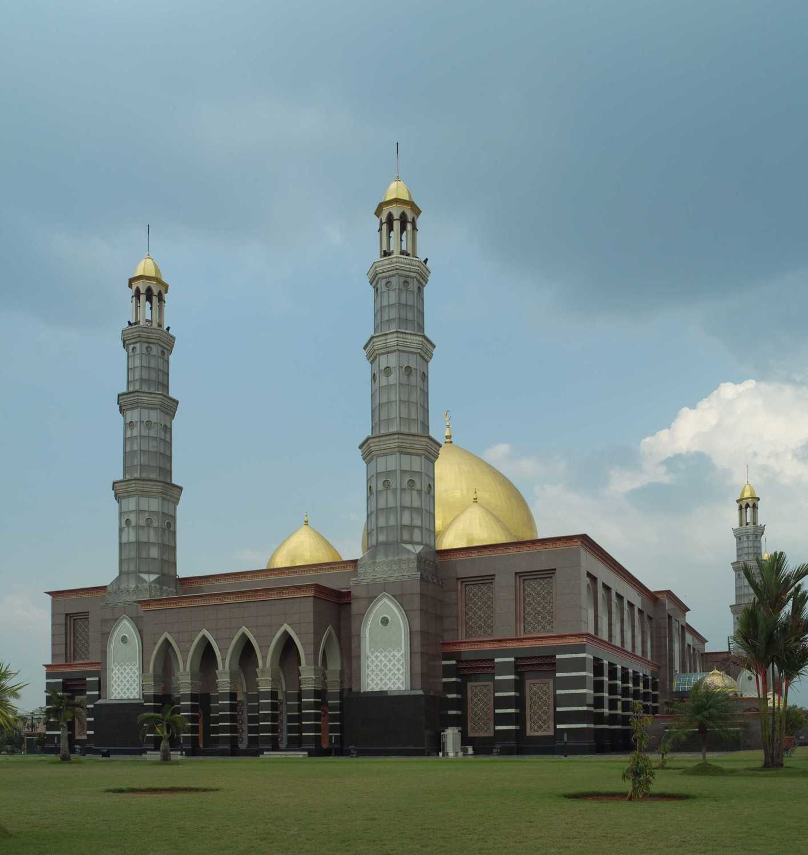 Pt. Garisprada Kubah Emas Mosque Meruyung, Limo, Depok City, West Java, Indonesia Depok Facade Klasik 22011