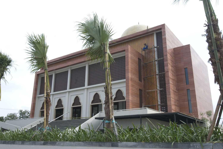 Pt. Garisprada Al Birru Pertiwi Mosque Bojonegoro, East Java Bojonegoro, East Java Facade Modern 22270