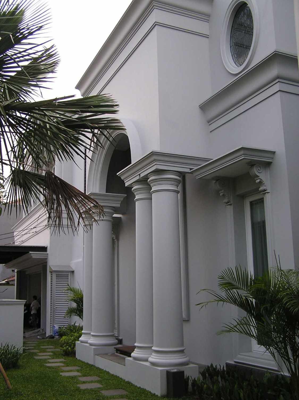 Pt. Garisprada Pondok Indah Residence Pondok Pinang, Kebayoran Lama, South Jakarta City, Jakarta, Indonesia Pondok Indah Exterior - Pillars Modern 21877