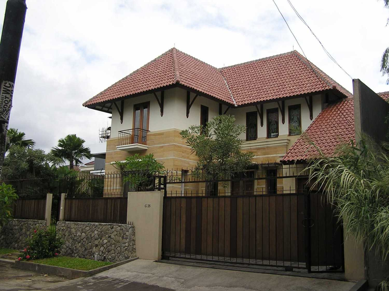 Pt. Garisprada Permata Hijau Residence Rt.4/rw.2, Grogol Utara, Kby. Lama, Kota Jakarta Selatan, Daerah Khusus Ibukota Jakarta 12210, Indonesia Permata Hijau Front View Tradisional 22370