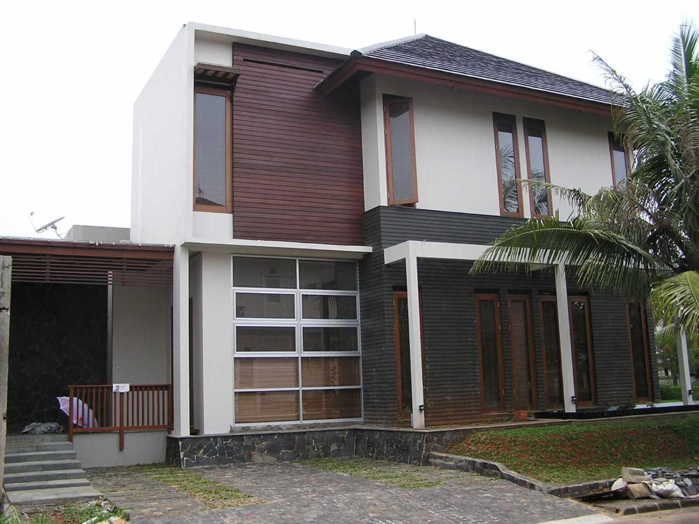 Pt. Garisprada Bintaro Residence Bintaro, Pesanggrahan, South Jakarta City, Jakarta, Indonesia Bintaro Front View Tropis 22376