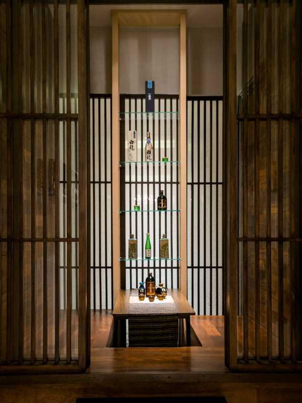 Foto inspirasi ide desain ruang makan asian Dining room oleh PT. GARISPRADA di Arsitag
