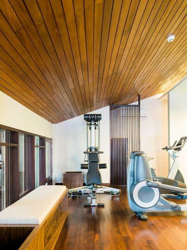 Foto inspirasi ide desain gym Gym area oleh PT. GARISPRADA di Arsitag