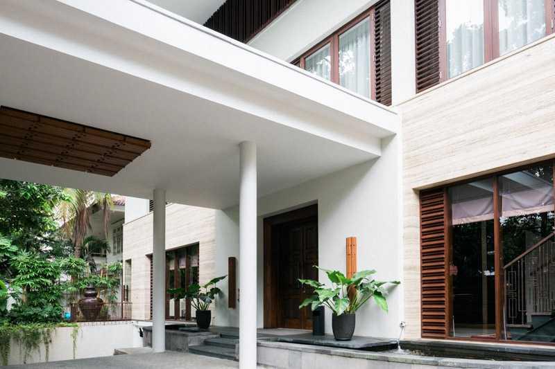Foto inspirasi ide desain exterior asian Exterior view oleh PT. GARISPRADA di Arsitag